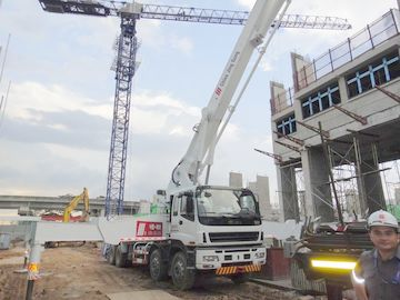 চীন 47 Meters 8x4 Concrete Pump Trucks সরবরাহকারী